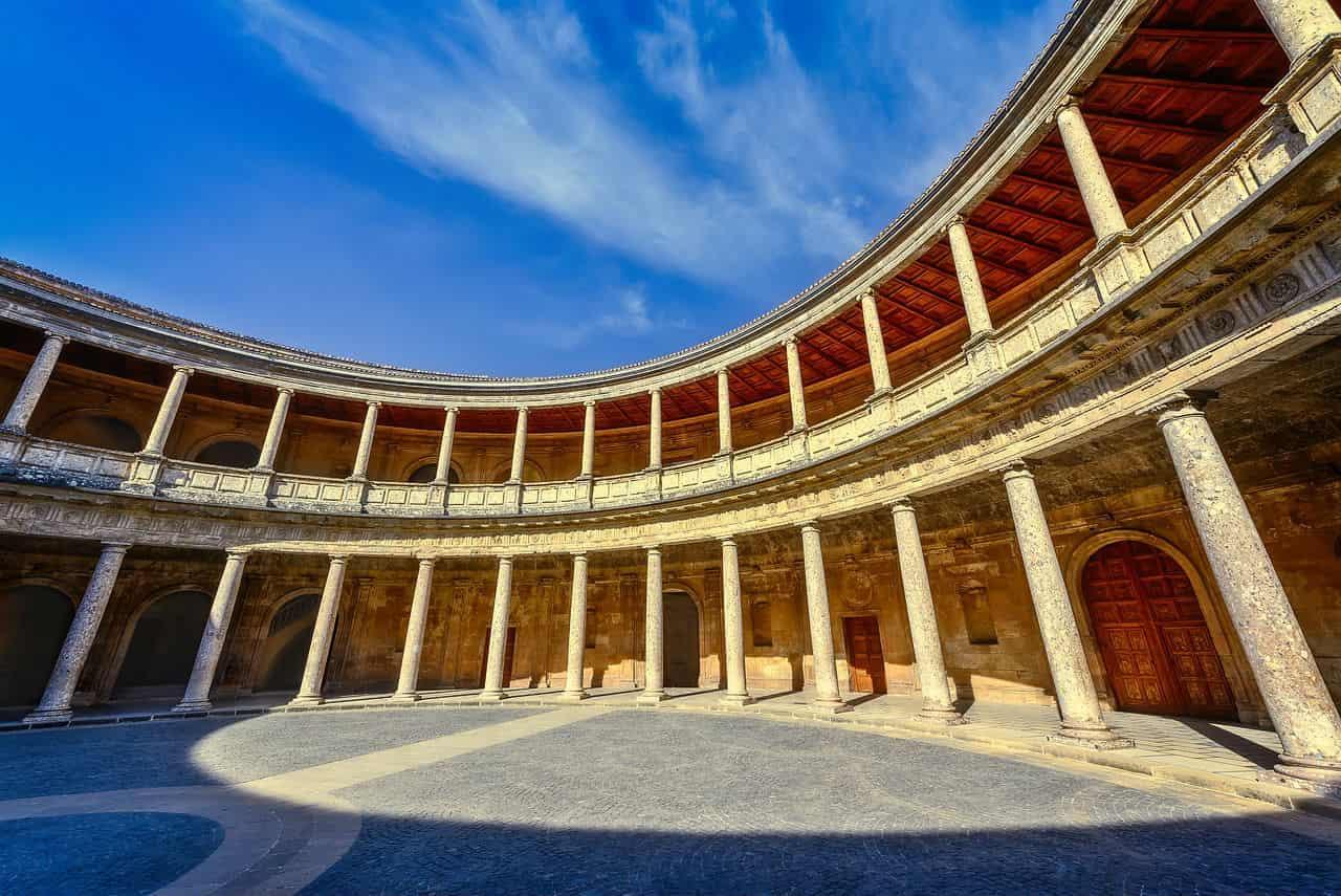 Дворец Карла 5 в Гранаде - фото