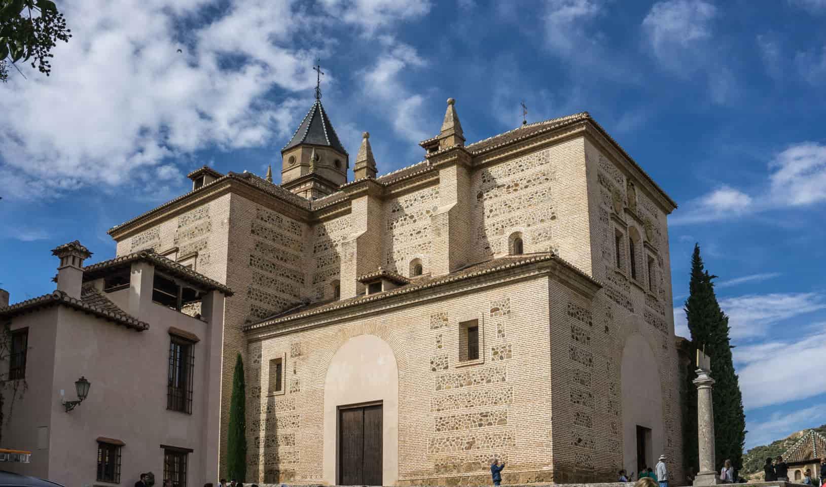 Храм Санта-Мария-де-ла-Альгамбра - фото
