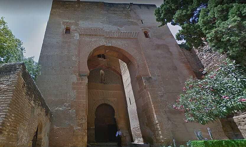 Ворота Правосудия в Альгамбре - фото