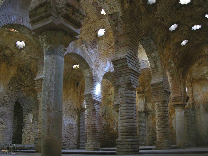 Арабские бани в Ронде - фото