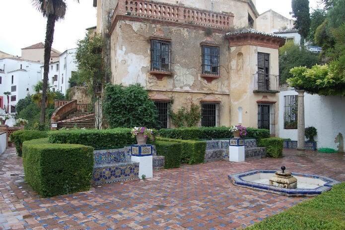 Дом мавританского короля в Ронде - фото