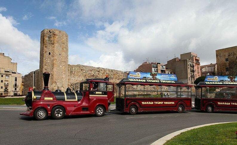 Экскурсионный паровозик в Таррагоне - фото