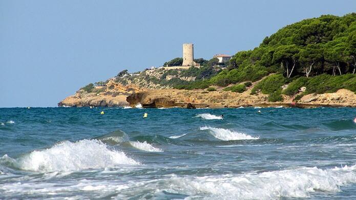 Башня на побережье Таррагоны - фото