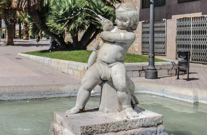 Фонтан «Мальчик с гусем» - фото