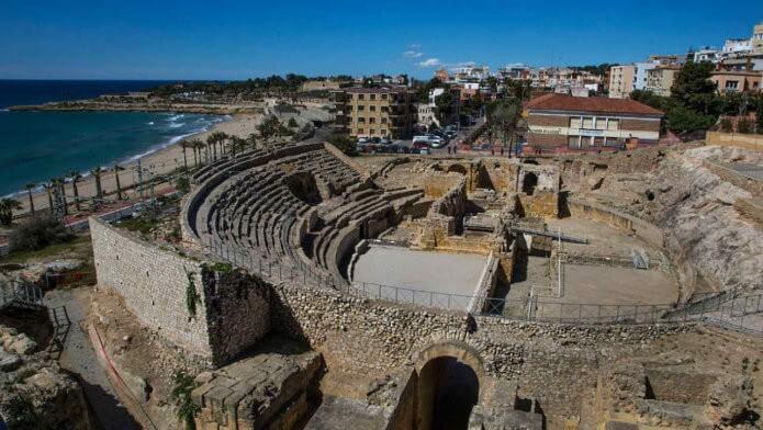 Римский амфитеатр - фото