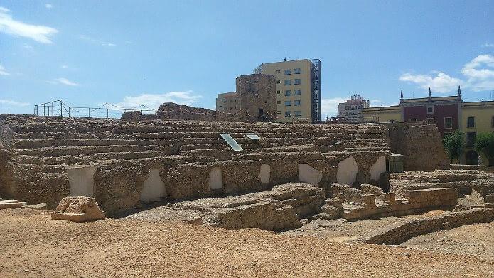 Руины амфитеатра Таррагоны - фото