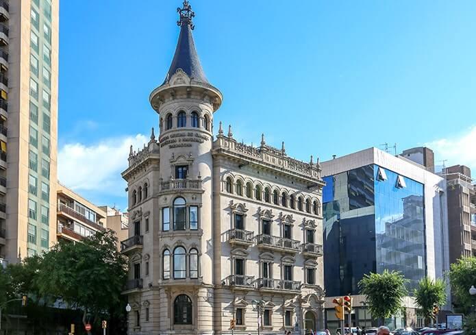 Торговая палатаТаррагоны - фото